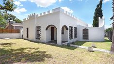Houses For Sale in Somerset West. View our selection of apartments, flats, farms, luxury properties and houses for sale in Somerset West by our knowledgeable Estate Agents. Somerset West, 2 Bedroom House, Croydon, Property Search, Reception Rooms, Mansions, Architecture, Luxury, House Styles