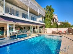 LUXURY WATERFRONT MANSION- 5 BEDROOMS, WALK TO SURFERS PARADISE BEACH!Vacation Rental in Surfers Paradise from @homeaway! #vacation #rental #travel #homeaway