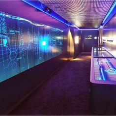 Hier mal ein stimmungsvoller Schnappschuss aus dem Inneren unseres Showtrucks 😀 Ist gar nicht mal so klein, oder? #Sonepar #InnovationLab #Lab #soneparlab #lampen #lamps #led #SIL #germany #Mercedes #future #Zukunft #Technologie #Pferdestärken #modern #futuristic #tech #hightech #MercedesLkw #LKW #Lastkraftwagen #diesel #PS #diemaschine #entertainment #multitouch #touchscreen #screenwall #ledlights