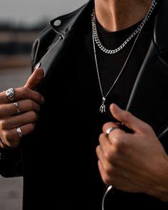 Men's Necklace Length Guide Bad Boy Aesthetic, Badass Aesthetic, Der Gentleman, Layered Necklace Set, Chains For Men, Dog Tag Necklace, Necklaces For Men, Mens Chain Necklace, Bracelet Men