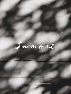 Musings about the minimal, well designed lifestyle. Home décor, hand lettering, fashion and more, a...