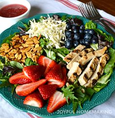 Copycat Berry Almond Chicken Salad - Joyful Homemaking - Salads are such an appetizing, cool and healthy choice for a hot summer time dinner or lunch. Chicken Salad Recipe With Almonds, Chicken Salad Recipes, Chicken Salads, Summer Salad Recipes, Summer Salads, Blueberry Salad, Almond Chicken, Dinner Salads, Heart Healthy Recipes
