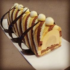 Those Fabulous, Decadent French Pastries Gourmet Desserts, Plated Desserts, Dessert Decoration, French Pastries, Pastry Cake, Mini Cakes, Christmas Desserts, Beautiful Cakes, Chefs