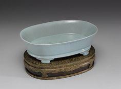 Basin in celadon glaze Ru ware