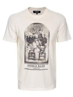 T- shit biały  - t-shirt krótki rękaw - TROLL. TPO0074 Świetna jakość, rewelacyjna cena, modny krój. Obejrzyj też inne t-shirty tej marki. T Shirty, Cool Tees, Troll, Cool Outfits, Shirt Designs, Hoodies, Model, Mens Tops, Clothes