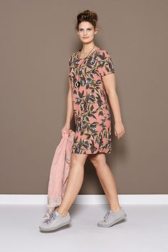 Floral Giallo | Fashion | Lookbook | Dress | Flower print | Pink