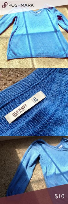 Old Navy20% OFF 3 BUNDLE PACKAGE FREE GIFT Very cute and warm! Says XL but ( it's measured in juniors) so it fits S and M! Old Navy Sweaters V-Necks