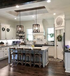 Home Remodeling Traditional Cool 30 Pretty Farmhouse Kitchen Design Ideas To Get Traditional Accent. - Farmhouse kitchen style will be perfect idea if you want to have family gathering in your kitchen during meal time. Farmhouse Style Kitchen, Modern Farmhouse Kitchens, Home Decor Kitchen, New Kitchen, Home Kitchens, Kitchen Rustic, Farmhouse Kitchen Light Fixtures, Awesome Kitchen, Farmhouse Ideas