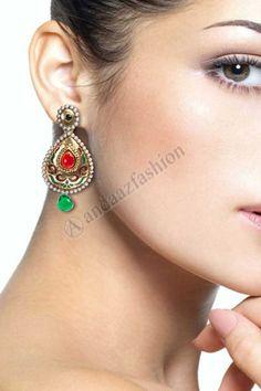 Diamants noirs americains BOUCLES d OREILLES Design No. 80462 Prix:- 11,35 € Andaaz Fashion nouvel arrivant collection de bijoux de fantaisie comme noirs Diamants BOUCLES d OREILLES. Ces jeweleries Collection sont parfaits pour Fete, Mariage, Mariage, Festival, de ceremonie. For More Details:- http://www.andaazfashion.fr/jewellery/earrings/red-green-alloy-earrings-80462.html