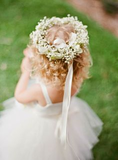I will definitely be having my 2 flower girls wear this. They are going to be my snow baby angels/flower girls since I will be having a winter wedding. Flower Girls, Flower Girl Halo, Flower Girl Dresses, Miami Wedding, Dream Wedding, Wedding Day, Hawaii Wedding, Wedding Photos, Garden Wedding