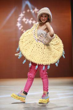 Xiao Li Anti Fashion, Weird Fashion, Xiao Li, Tin Toys, No Frills, Captain Hat, Have Fun, Crochet Hats, Textiles