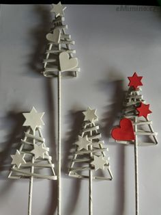 Christmas Art, Christmas Projects, All Things Christmas, Christmas Holidays, Christmas Ornaments, Xmas Crafts, Diy And Crafts, Paper Decorations, Christmas Decorations
