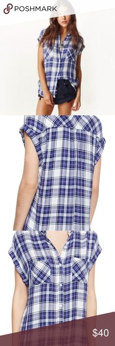 Rails Britt button down short sleeve plaid shirt Super soft and barely worn, this Rails top is perfect with denim. The product shots are accurate color. Rails Tops Button Down Shirts