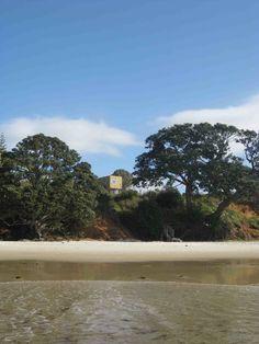 Otama Beach House / David Berridge Architect