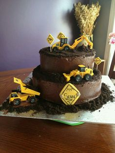2 pic of the digger cake I did with crushed Oreos Digger Birthday Cake, Digger Cake, 3rd Birthday Cakes, 2nd Birthday Parties, Boy Birthday, Digger Party, Birthday Ideas, Cupcakes, Cupcake Cakes