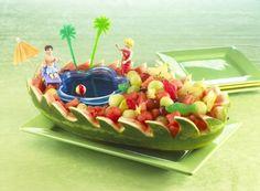 Barco com melancia.