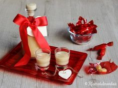 Liquore alla Rossana  Liquori #homemade da 10 e lode! Oggi lo preparo con le caramelle! ;)