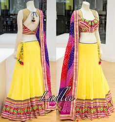 Chaniya choli Indian Skirt, Indian Dresses, Indian Outfits, Indian Attire, Indian Ethnic Wear, Choli Designs, Blouse Designs, Beautiful Blouses, Beautiful Outfits
