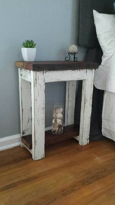 I'll build this one day Simply Rustic Barnwood Nightstand - kreative Ideen Country Furniture, Farmhouse Furniture, Pallet Furniture, Furniture Projects, Farmhouse Decor, Home Furniture, Furniture Design, Furniture Stores, Woodworking Furniture