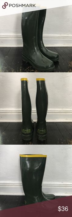 Marc Jacobs Rain Boots Wellies 36 Marc Jacobs Green and Yellow Rain Boots galoshes. Size 36 and gently preloved in hunter green and yellow detail. Marc Jacobs Shoes Winter & Rain Boots