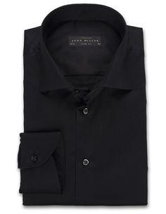 Overhemd John Miller.  Dit prachtige zwarte overhemd van John Miller is een extra getailleerd overhemd en kost €119,95. Het overhemd heeft een armlengte van 64-66 cm en heeft een extra wijde boord. Benieuwd naar andere overhemden van John Miller? Neem een kijkje op onze website http://hemdenonline.nl/overhemden.html?brand=43