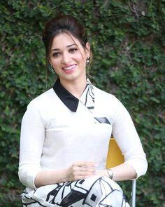 தமன்னாவின் புதிய படங்கள் Brunette Actresses, Hot Actresses, Indian Actresses, Beautiful Girl Indian, Most Beautiful Indian Actress, Beautiful Celebrities, Beautiful Actresses, Tamanna Bikini, Alia Bhatt Photoshoot