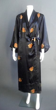 1920's Vintage Black Embroidered Silk Robe - luxe loungewear perfect for all seasons.