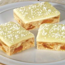 Everyone takes to the sweet taste of the apricot fudge slice. <br/>Can be served as a sweet treat or dessert - your choice! Chocolate Fudge Slice, White Chocolate, Lemon Icing Recipe, Apricot Slice, Lemon Slice, Baking Recipes, Cake Recipes, Fruit Recipes, Dessert Recipes