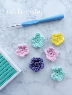 Learn to make the crochet wildflower with this super simple step by step video tutorial. So quick and easy, you will have a bouquet whipped up in no time! Afghan Crochet Patterns, Crochet Patterns For Beginners, Knitting Patterns Free, Crochet Tutorials, Free Knitting, Crochet Flower Headbands, Crochet Flowers, Crochet Hooks, Free Crochet