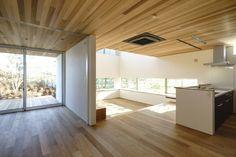 HN-HOUSE リビングダイニング②|重量木骨の家 選ばれた工務店と建てる木造注文住宅 Dynamic Design, Lofts, Dream Homes, Interior Design, Future, Room, House, Home Decor, Loft Room