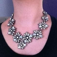 I just discovered this while shopping on Poshmark: Pretty flower necklace. Check it out!  Size: OS