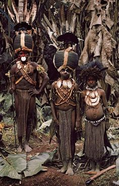 Boys from the Kalam tribe, Papua New Guinea in Jimmy Nelson's