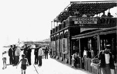 Lumière Brothers's first showing at the Salon Indien du ...