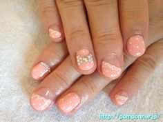 パステルオレンジの斜めフレンチドットネイル (French nail diagonal pastel orange dot)