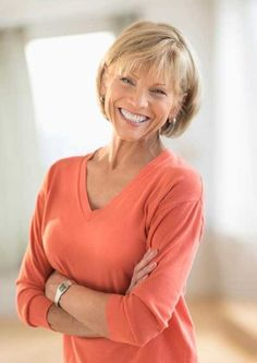 15 Classy and Simple Short Hairstyles For Women Over 50 ...