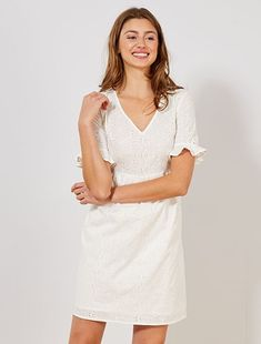 Vestido con bordado inglés blanco nieve Mujer talla 34 a 48 - Kiabi Urban Outfitters, Maxi Robes, Leggings, Pulls, White Dress, Lace, Chic, Clothes, Tops
