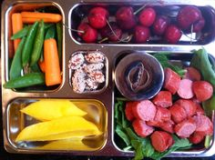 """Joshua's lunch: Applegate Farms hotdogs (GF/DF/grass-fed/humane), spicy mustard, mango, sweet cherries, carrots, sugar snap peas, honey sesame almonds"" @Primal Bliss"