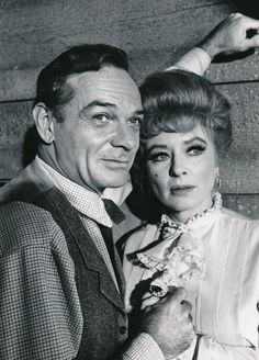 James Daly co-starred with Amanda in this 1967 episode of Gunsmoke. (c) CBS  http://www.sammaroniesentertainmentfunhouse.com/miss-kitty-of-the-long-branch/