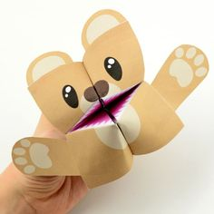 Take story time to a whole new level with this fun teddy bear cootie catcher.