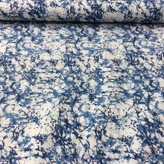 We love the effect of this Indigo dyed hand block printed design Marbled Web from Merchant and Mills Rajasthan Collection. Perfect for summer sewing projects! Silver Color Palette, Merchant And Mills, Blue And Silver, Bridesmaid Dress, Printed Cotton, Indigo, Print Design, Marble, Daughter