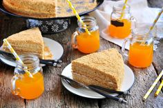 Ermeni mutfağından çıkıp Slav coğrafyasını kendine hayran bırakan marlenka tarifini, en güzel balı yanımıza alıp bu yazın tatlısı ilan ettik.