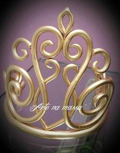Coroa dourada                                                                                                                                                                                 Más