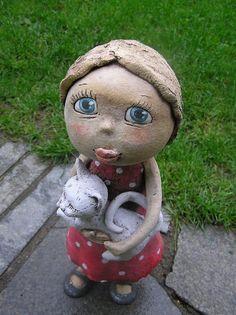 Terezka a její kočka (na objednávku) / Zboží prodejce Kočida | Fler.cz Pottery Sculpture, Air Dry Clay, Ooak Dolls, Art For Kids, Garden Sculpture, Ceramics, Children, Outdoor Decor, Sculpture