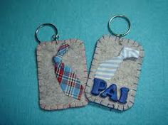 Risultati immagini per porta chaves dia do pai Diy And Crafts, Arts And Crafts, Fathers Day Crafts, Mother And Father, 3d Projects, Homemade Gifts, Key Rings, Special Day, Dads