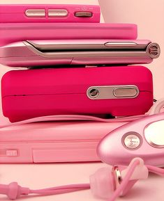 pink gadgets- I'm only repinning because I've had this excessive need for pink in my life right now.