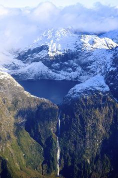 by Mark Vuaran Southern Alps, South Island, New Zealand.