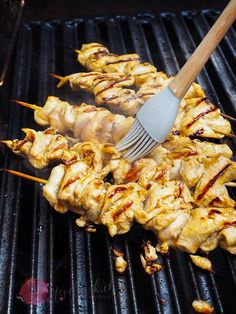 Grilled chicken kebabs with honey glaze - Fleisch Steak Marinade Best, Marinated Steak, How To Grill Steak, Cooking Stand, Honey Glazed Chicken, Chicken Glaze, Shish Kebab, Kebabs, Grilled Chicken Skewers