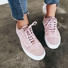 Pink Vans/ Vans sneakers roze / dusty roze sneakers Vans old skool Sock Shoes, Women's Shoes, Me Too Shoes, Shoe Boots, Platform Shoes, Shoes Style, Prom Shoes, Fall Shoes, Spring Shoes