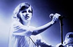 Lead singer of chvrches