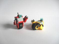 https://flic.kr/p/7ZgdUe | Claptrap Bots | Claptraps; bots inspired by 'Borderlands'. Got blogged by Game Informer.